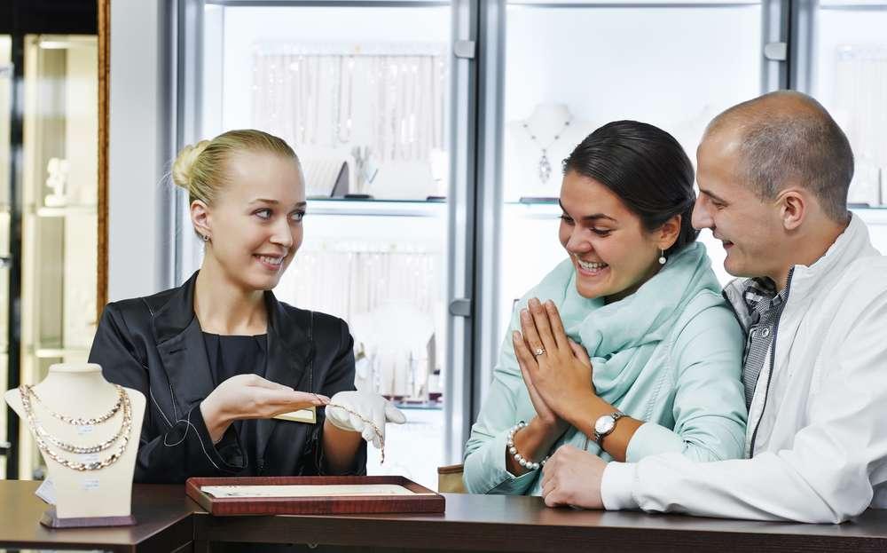 How Incredible Customer Service Increases Customer Bases