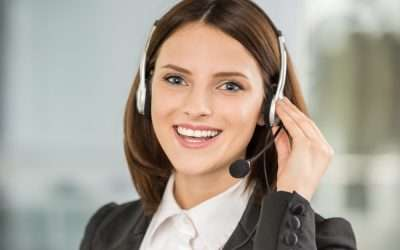 3 Ways To Be Super Likeable When You're On The Phone